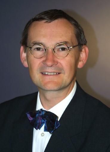 Dr. Luzian Weisel
