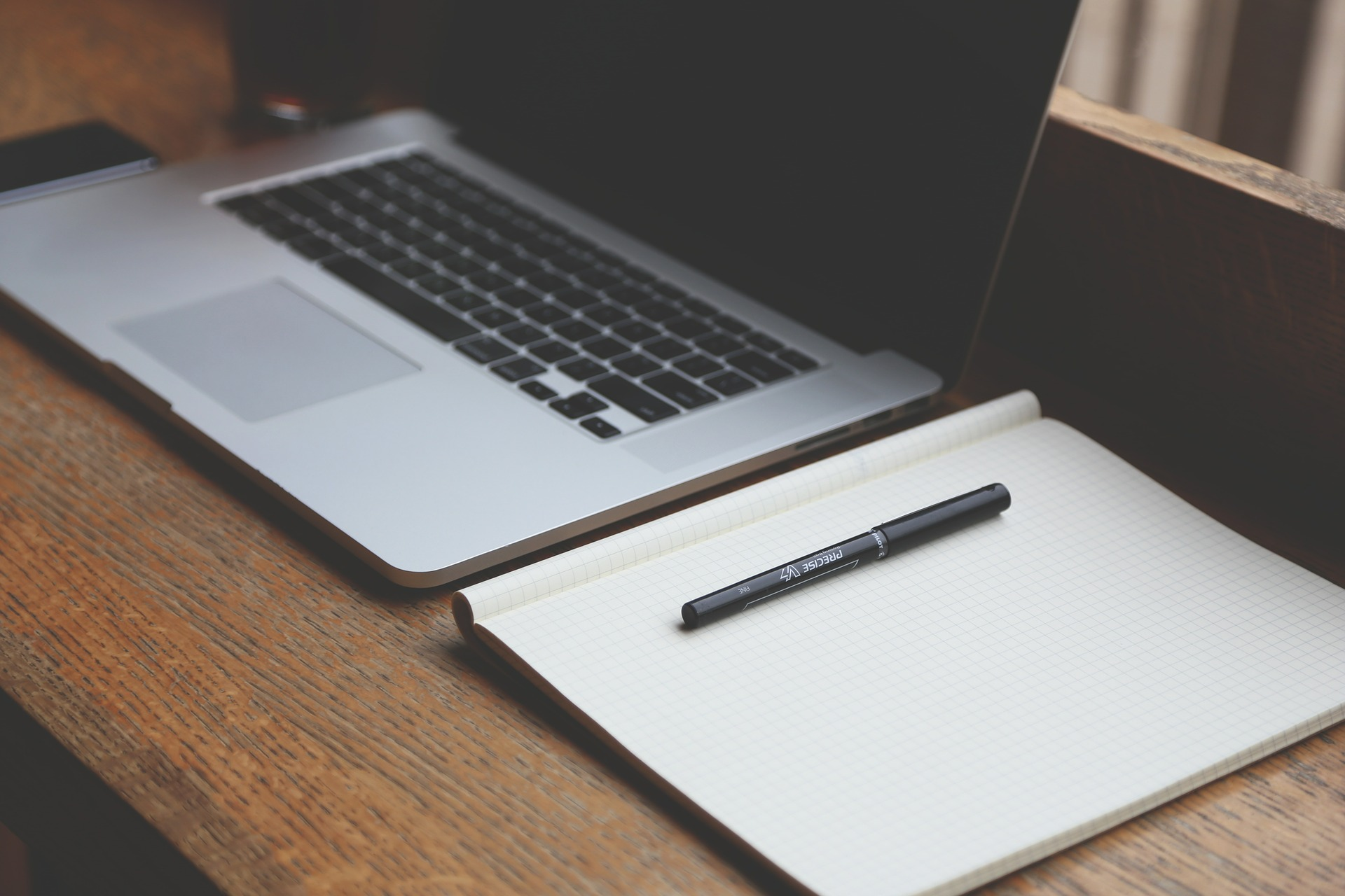 """Studie der Gesellschaft für Wissensmanagement (GfWM), der Hays AG und des Beratungsunternehmens PAC – """"Wissensarbeiter zu stark mit Routinearbeiten beschäftigt"""""""